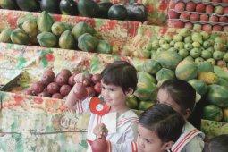 Tiny Tots Visit To The Fruit Market